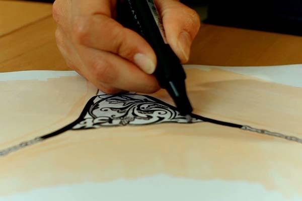 Muriel Klink - Design von G-String Stickereien
