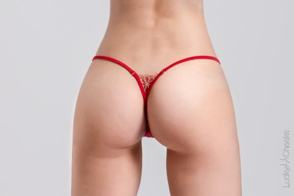 Sparkling Red Micro G-String rot  von Lucky Cheeks