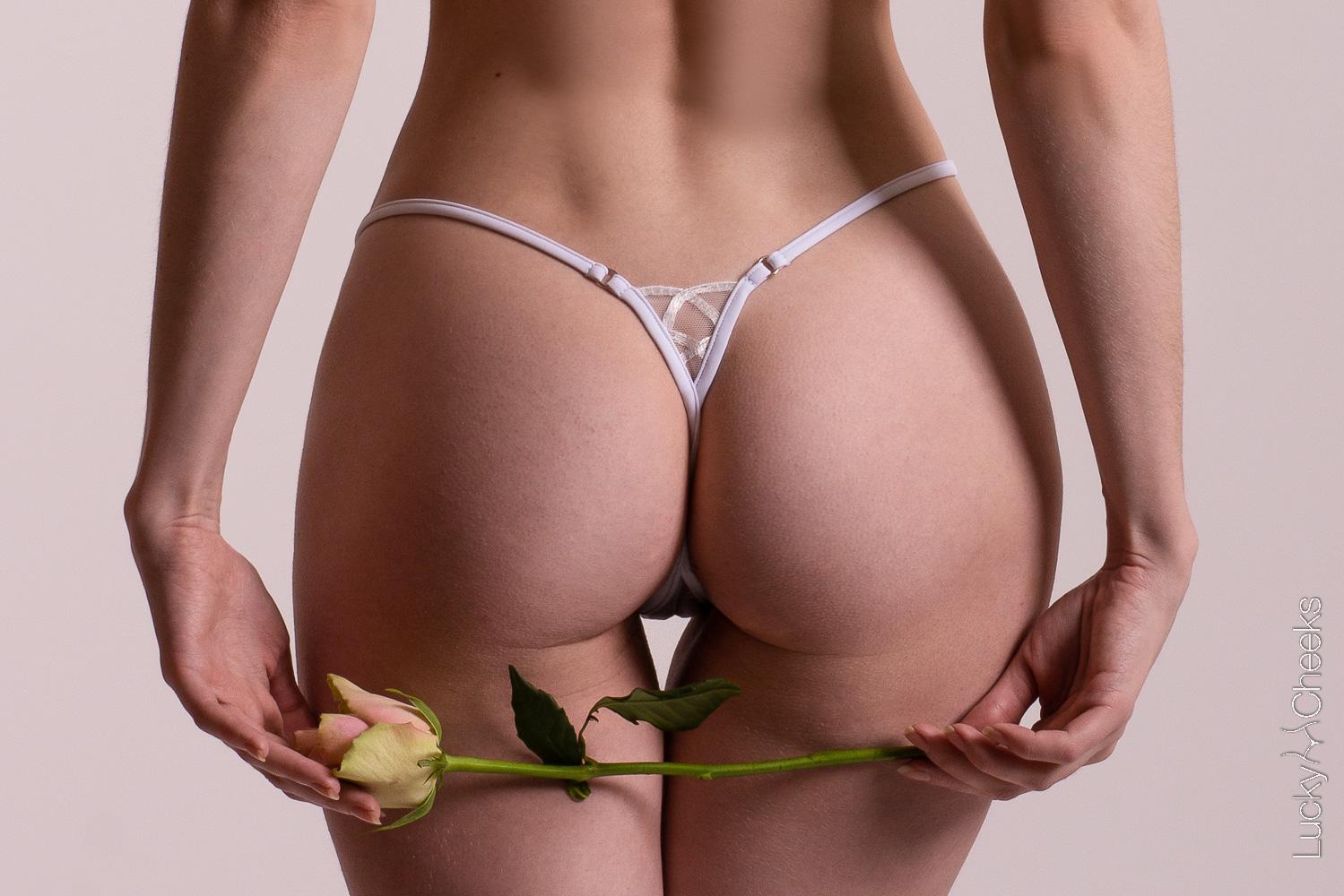 Mini thongs